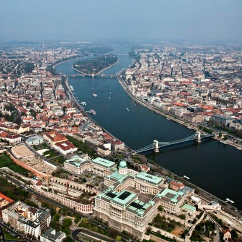 Budapest Daytime Air Cruise by Plane